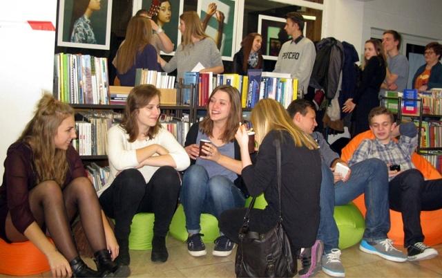 W Czytelni Głównej otwarto strefę dla młodzieży