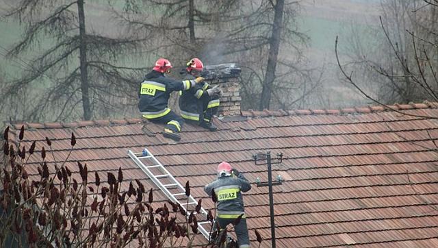 Kąty: pożar sadzy. Dzięki szybkiej reakcji mieszkańców nikt nie ucierpiał