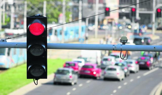 Rejestrator czerwonego światła na skrzyżowaniu K.Wielkiego jest nieaktywny!