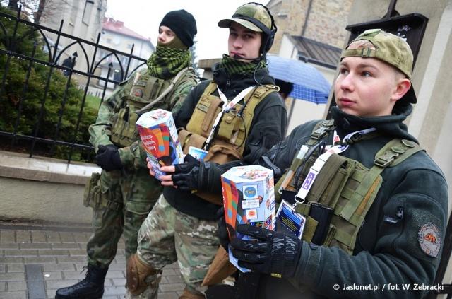 Ponad stu wolontariuszy wyruszyło na ulicę Jasła w ramach 24. Finału WOŚP