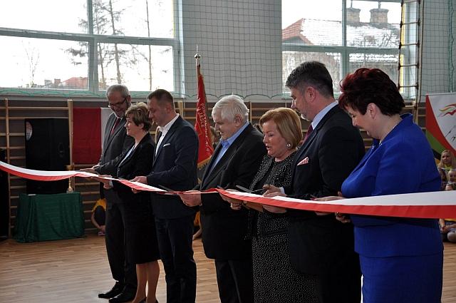 """Jasielska """"czwórka"""" doczekała się nowej sali gimnastycznej (fot. Lech Polak)"""