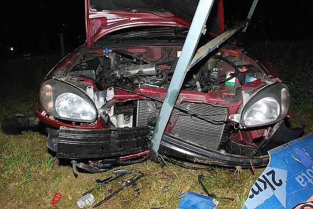 Wypadek w Krempnej. Kierująca daewoo nie zatrzymała się na STOPie