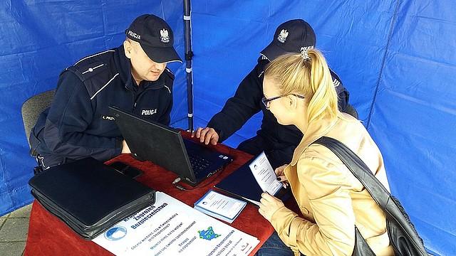 Policjanci informowali jak korzystać z Krajowej Mapy Zagrożeń Bezpieczeństwa