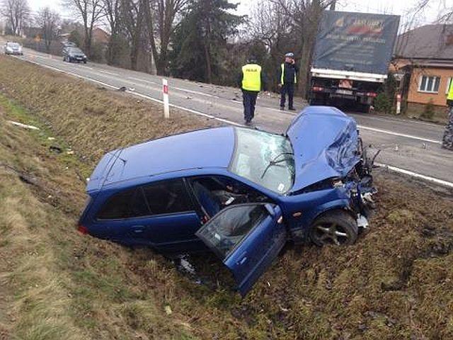 Zderzenie dwóch pojazdów w Skołyszynie. Ranne dwie osoby