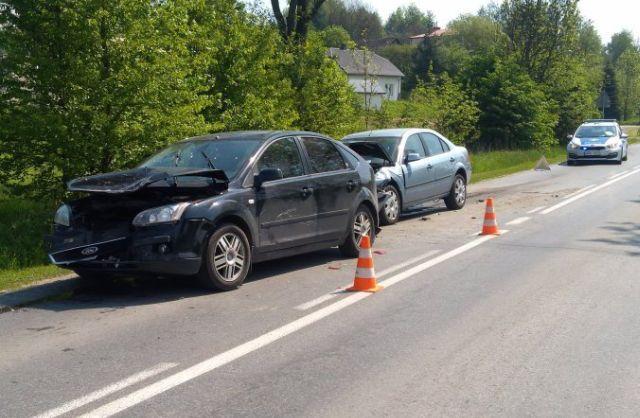 Zderzenie trzech samochodów w Siedliskach Sławęcińskich