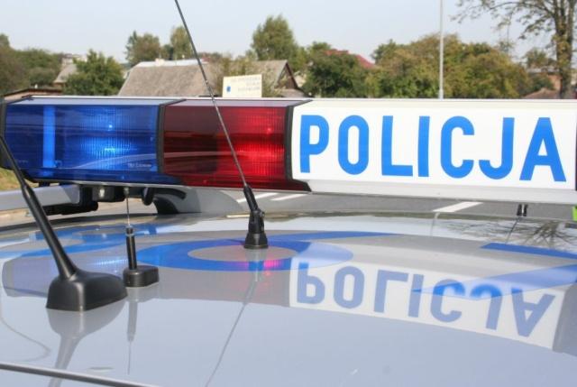Nietrzeźwy kierujący podczas interwencji znieważył policjantów