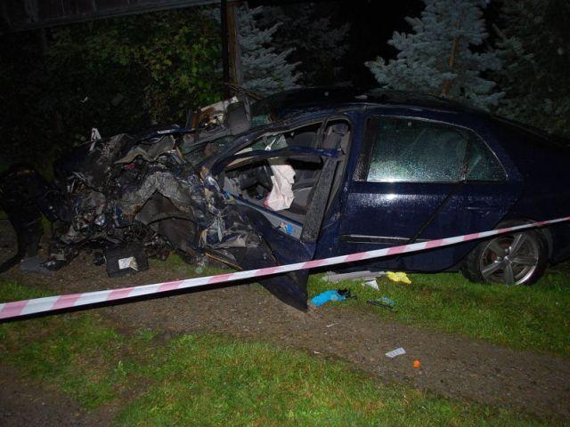 Nocne groźne zderzenie dwóch pojazdów na Krakowskiej