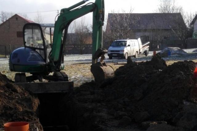 Rozpoczęto budowę kanalizacji w Starym Żmigrodzie - odbędą się spotkania z mieszkańcami